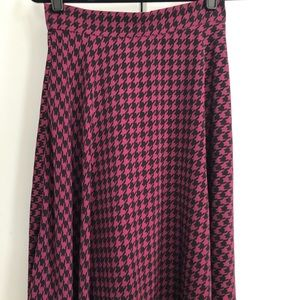 Pink & Black houndstooth skirt